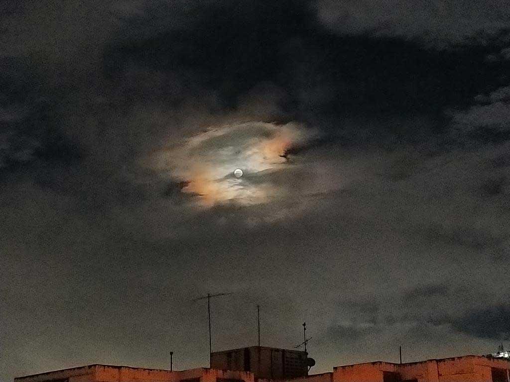 Imágenes de la luna Azul :  Luna Azul en Caracas, Venezuela (Octubre de 2020)