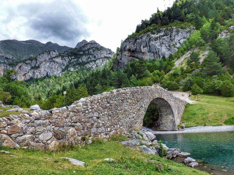 Motivo de Pesca.Tablas Solunares de Huesca