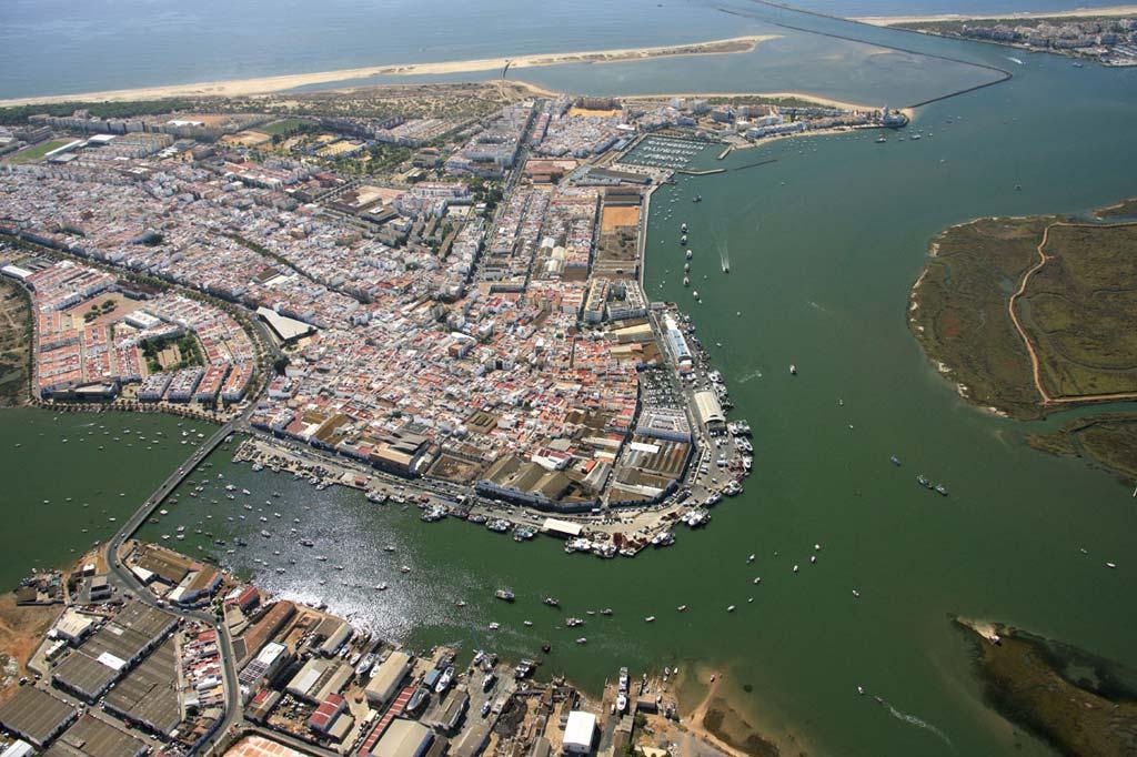 Mareas Puerto de Isla Cristina, Vista general del Puerto