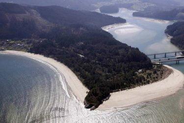 Vista general de Praia Area Longa