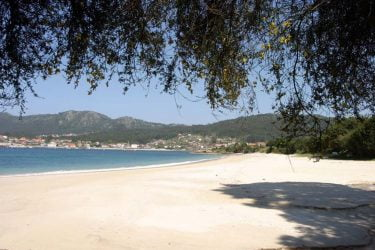 Vista general de Praia de Arneles