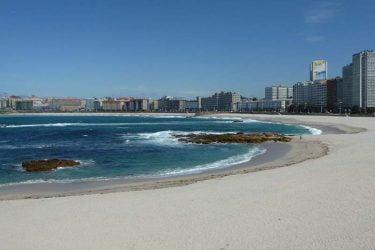 Vista general de Praia de Riazor