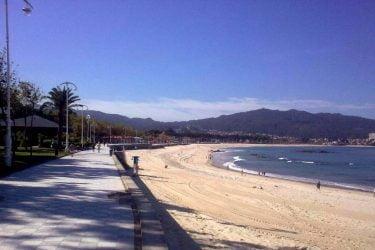 Vista general de Praia de Samil